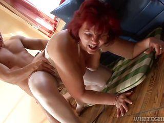 Порно видео зрелые минет