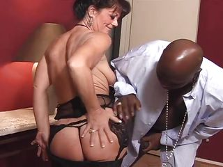 Молодой парень и женщина старше порно