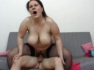 Порно сильный женский оргазм