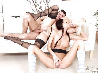 Порно ебля старых с молодыми