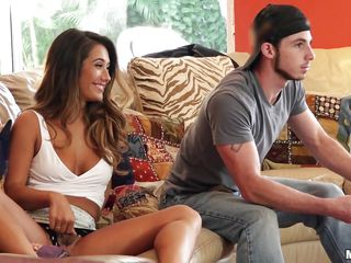 Порно видео девки ебут парней страпоном